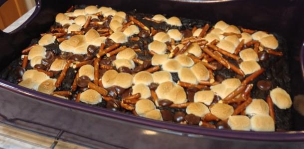 marshmallow pretzel crunch brownies