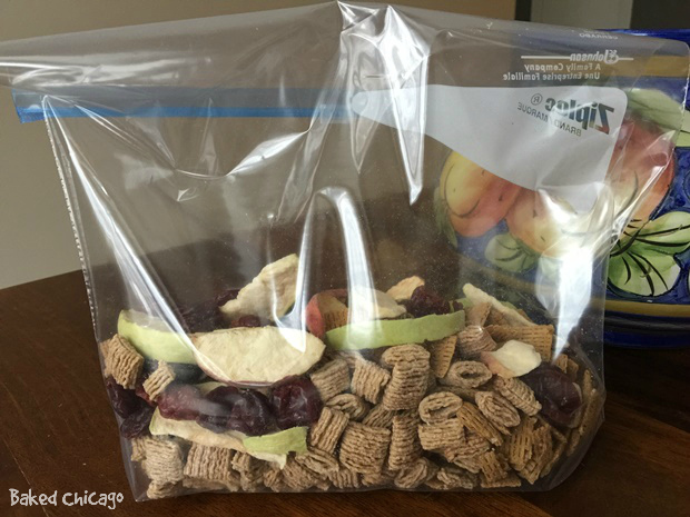Quaker Trail Mix_shake