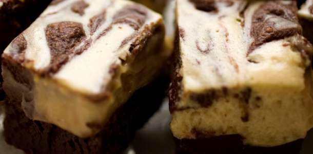 peanut-butter-whirled-brownies